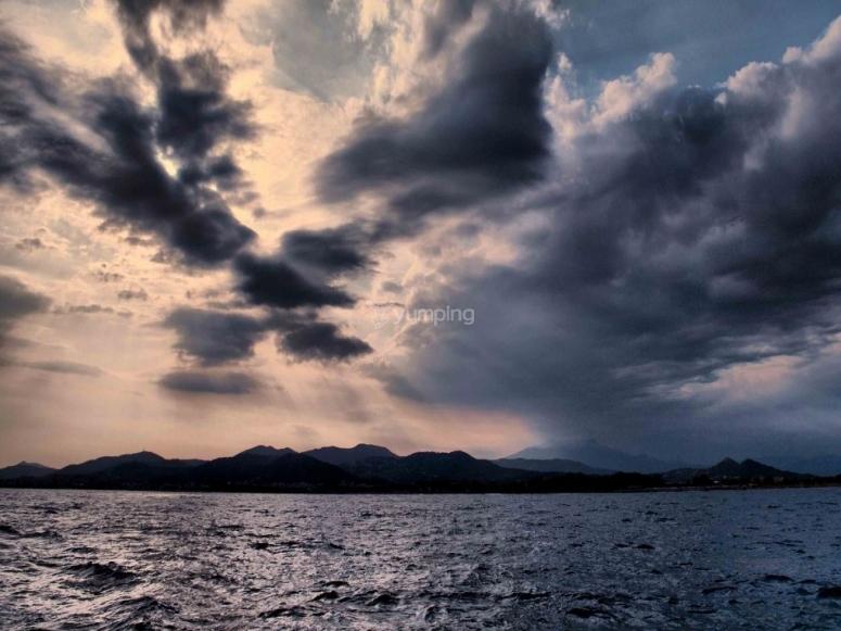 多云的夜晚