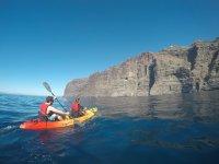 Navegando en kayak en Los Gigantes