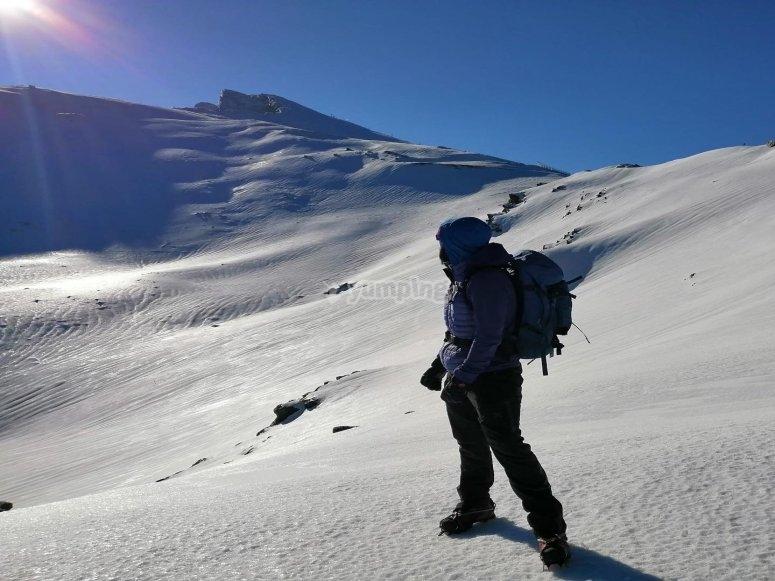 乘雪靴前往内华达山脉