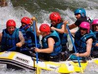 Haciendo rafting en el Jerte