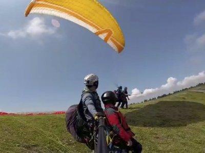 Volo in parapendio attraverso la Sierra de Codés e video