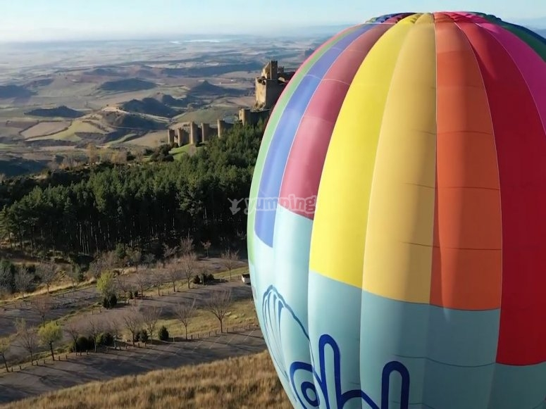 Flight in a balloon over the castle of Loarre