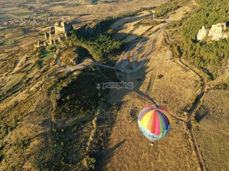 Flying in a balloon over Loarre