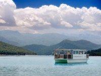 Paseo en barco solar