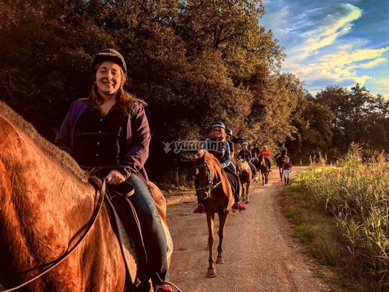 Paseo a caballo por montañas de Pla de l´Estany