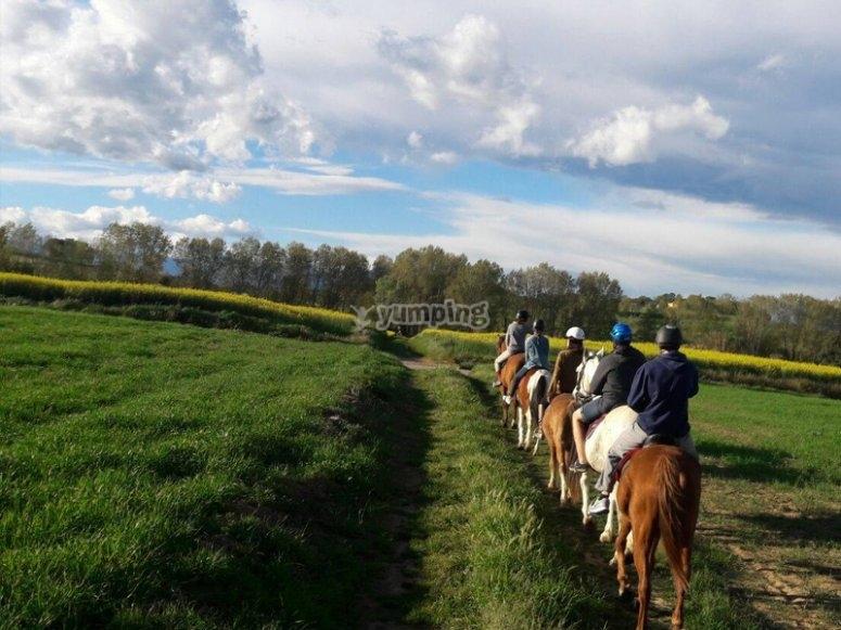 Disfrutando de una ruta a caballo alrededor de Banyoles