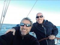 Juntos de travesia en el barco