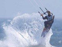 Rompe las olas con tus amig@s