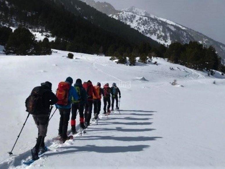 前往La Najarra峰的雪鞋游览