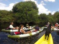 从河上划独木舟