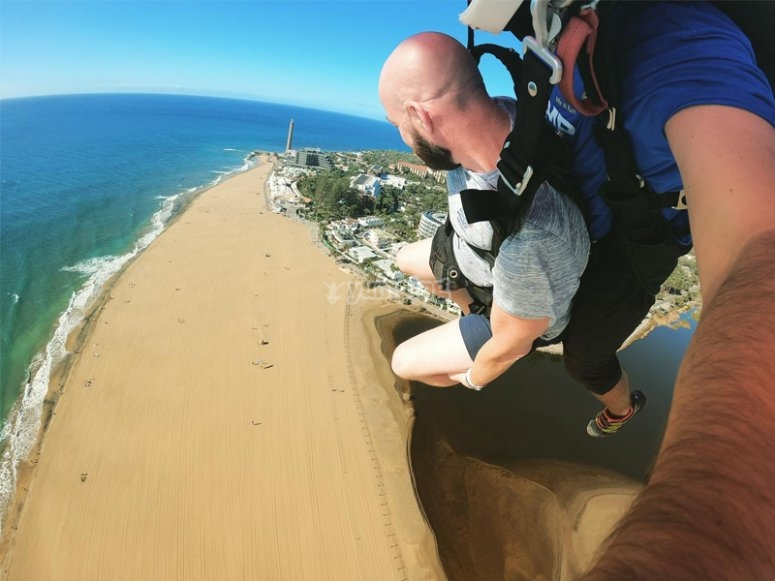 Skydiving over the dunes of Maspalomas