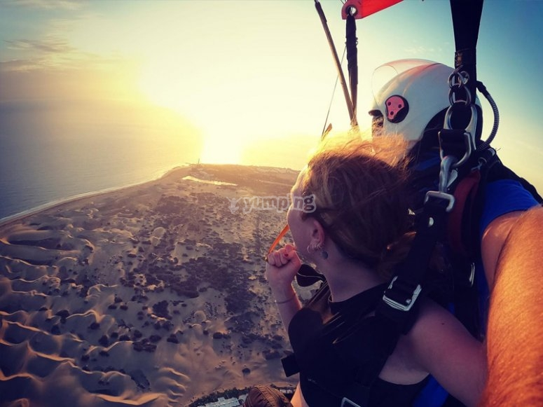 Sunset parachute through Maspalomas