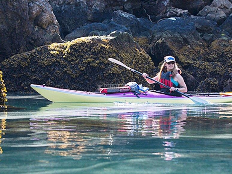 Excursión en kayak marítima