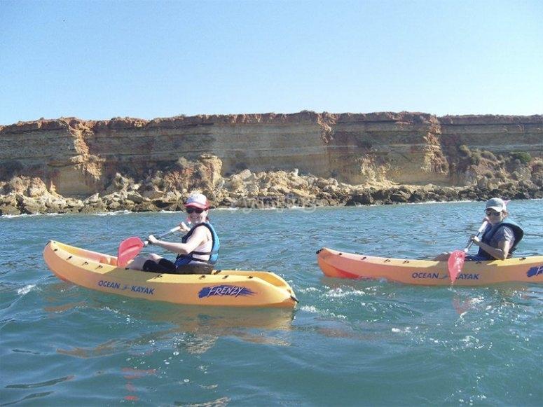 Ruta en kayak por Cala de Aceite