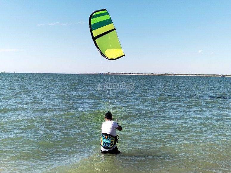 Clase de kitesurf en Cádiz