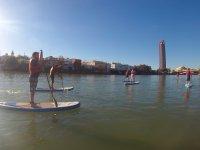 Travesia viendo Sevilla desde el rio
