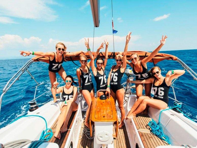 Despedida de soltera con paseo en barco