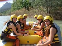 Come with your friends to do rafting