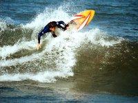 Giri con la tavola da surf