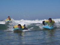 Avanzando en las olas con las tablas de surf