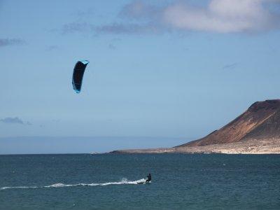 Curso kitesurf principiante iniciación en Famara