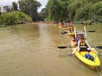 Tren de río con los kayaks para los más peques