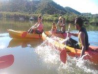 Disfrutando en familia con los kayaks