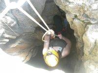 Introduciendose en la cueva