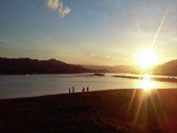 Con la puesta de sol