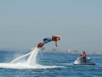 Pirouette on flyboard