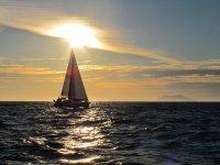 aterdecer en el mar