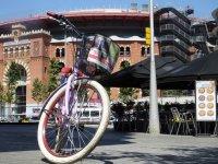 bicicleta junto a la plaza de barcelona