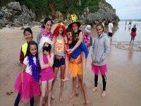 Disfrazados en la playa