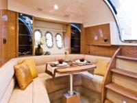 salon lujoso de un barco