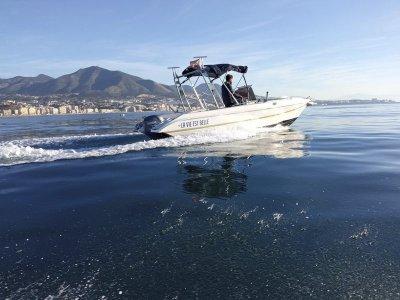 Alquiler de barco sin patrón en Fuengirola 4 horas
