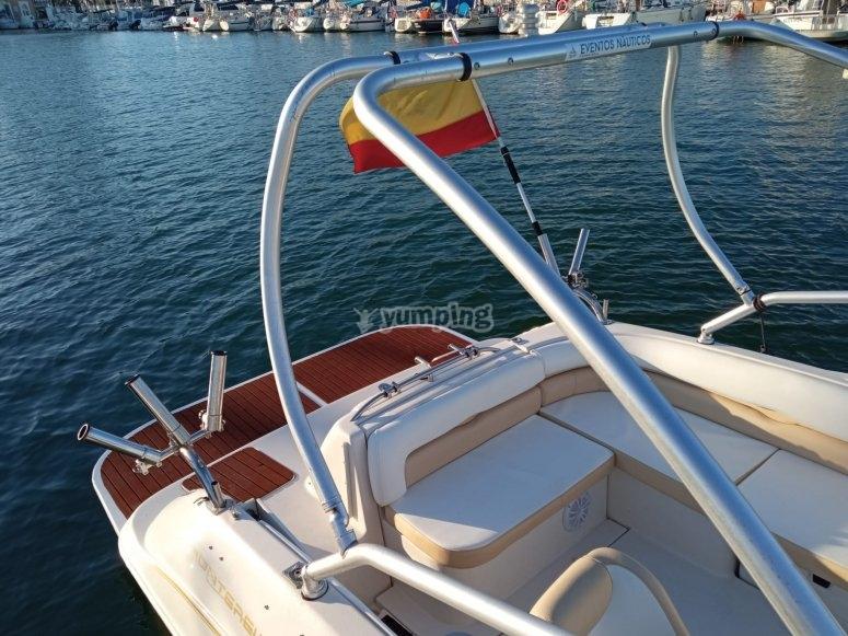 Barco Monterey en la costa de Málaga