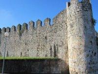 la murallas medievales de llanes