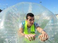 Asomado en la burbuja