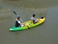 Condivisione di kayak a due posti