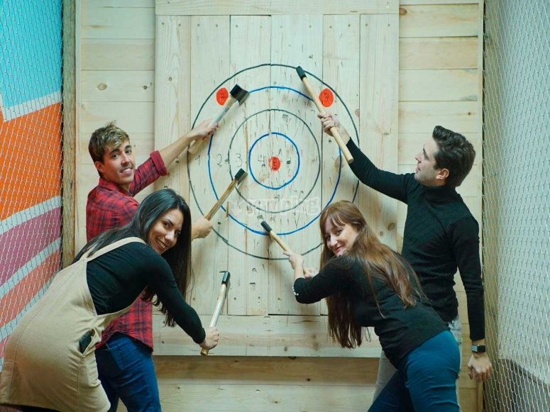 Friends throwing axes in Madrid
