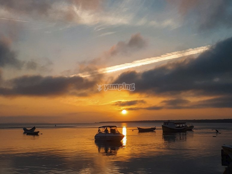 穿越地中海的乘船游览