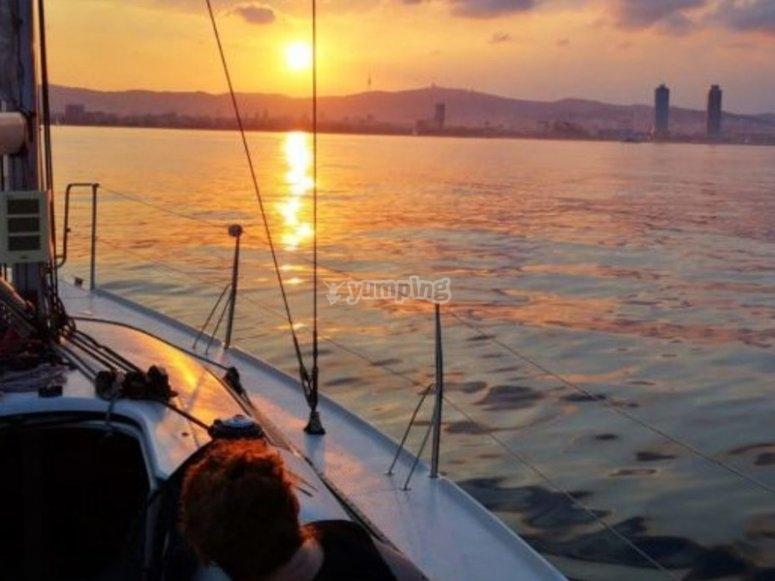 在地中海航行