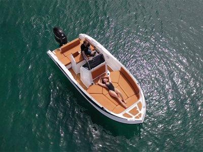 Alquiler de barco Nireus Licencia Santa Pola 4 hrs
