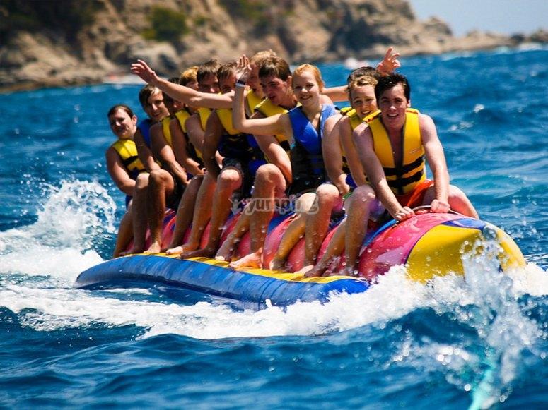Sessione di banana boat nella baia di Palma