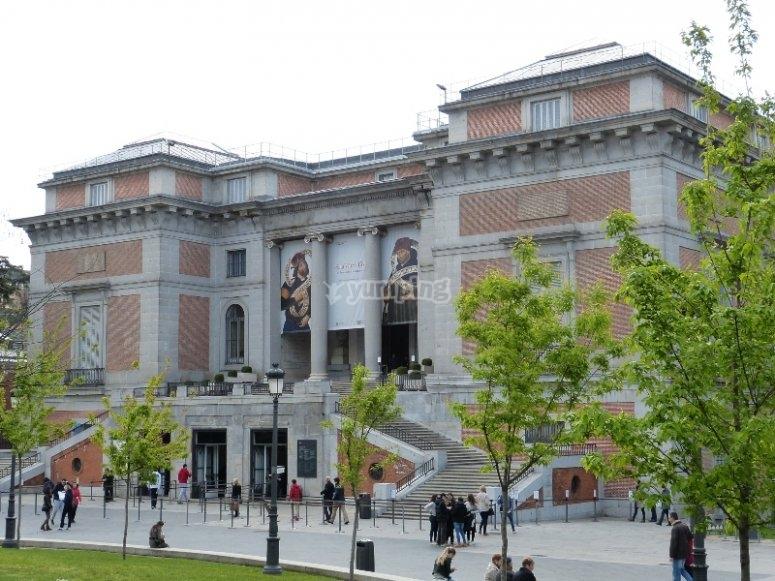 Paseo del Prado donde podemos ver cuadros