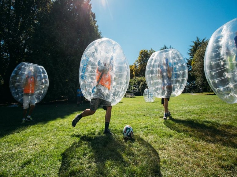 Running after the ball in the zorbing game