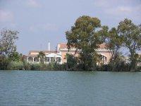 Casa sulla riva dell'Ebro