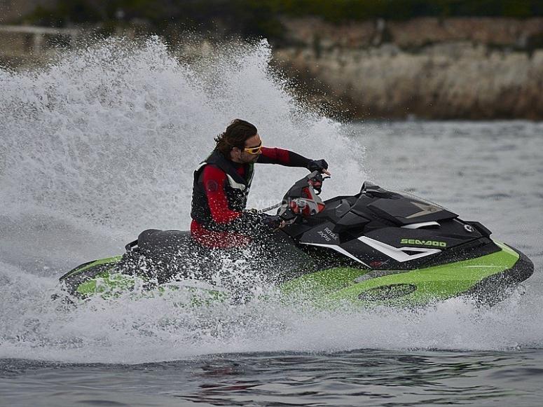 Poniendo al límite nuestras motos de agua