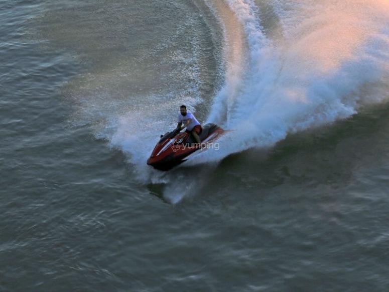 Motos de agua en Orihuela