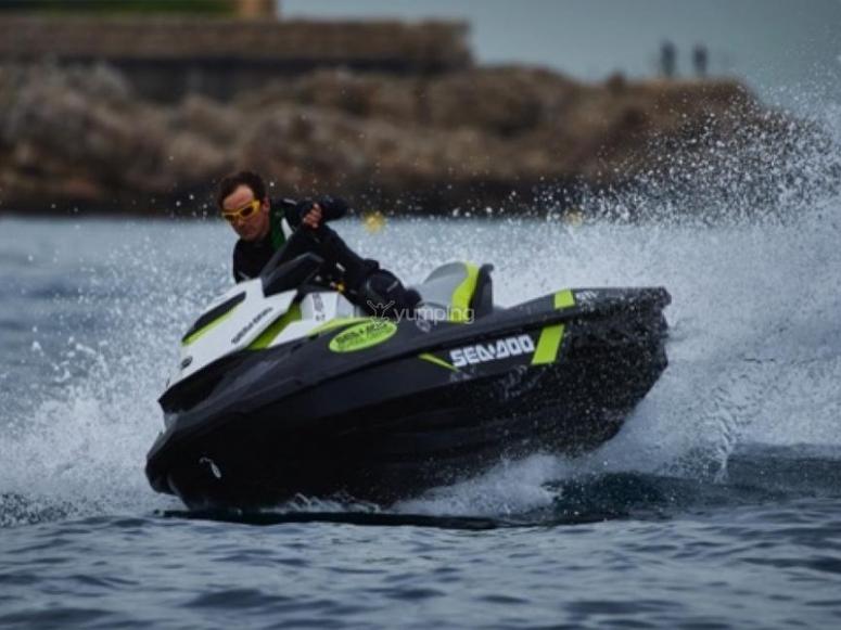 Excursión en moto de agua por Campoamor
